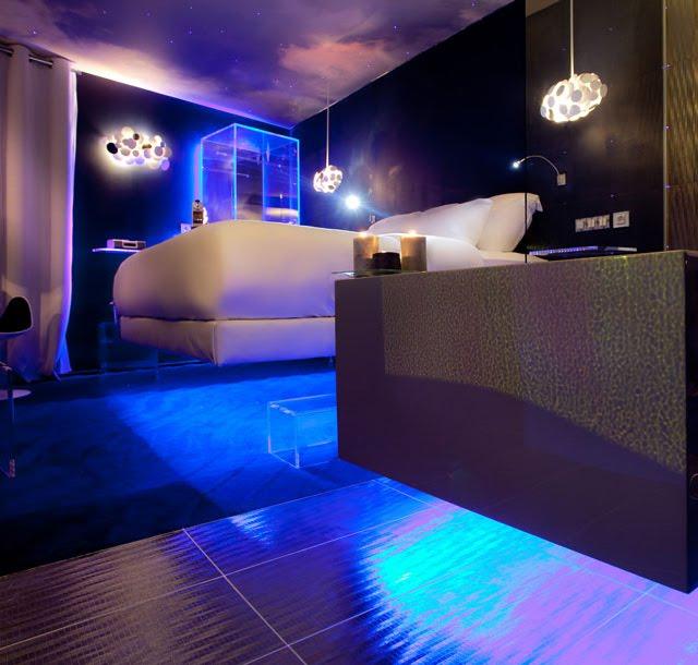 Levitating Room, Hotel Seven, Paris